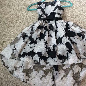 Black & silver holiday dress Sz 8 (Girl)